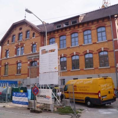 Das Bild zeigt das Kinder- und Familienzentrum in Neckarweihingen während des Umbaus.