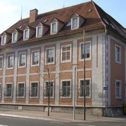 Das Foto zeigt das Stadtmuseum MIK vor der Sanierung.