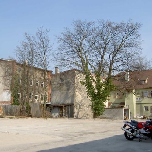 Das Foto zeigt den früheren Akademiehof.