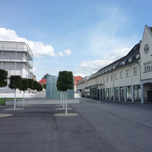 Das Foto zeigt den Akademiehof nach dem Umbau.